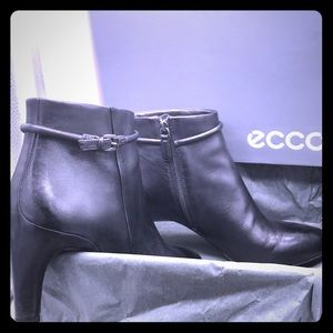 😎💕 Gorgeous Ecco leather ankle boots💕😎